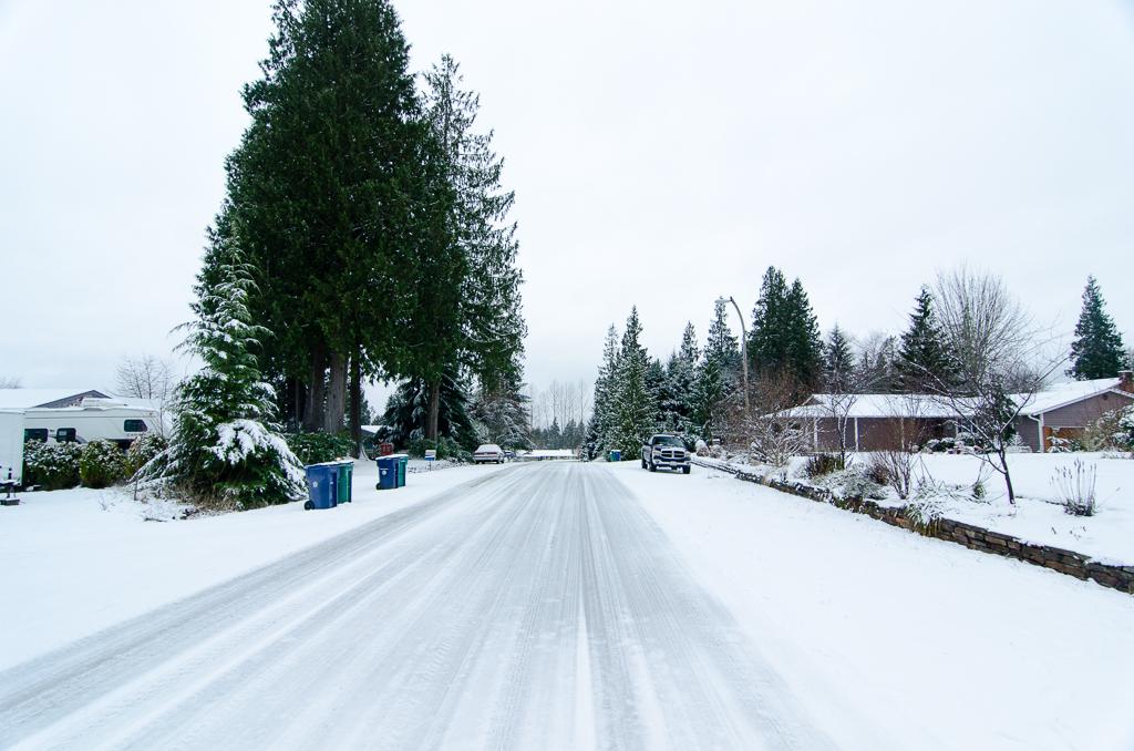 http://lj2.karlson.ru/USA/Duvall/snowday20Dec2013-108.jpg